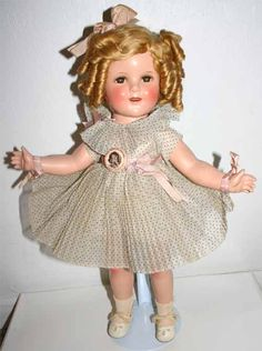 Shirley Temple Composition Doll 18inch I had this doll growing up. Boy I wished I still had her.