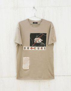 Text and print top - T-shirts - Bershka United Kingdom Shirt Print Design, Tee Design, Shirt Designs, Streetwear, Camisa Polo, Apparel Design, Mens Tees, Shirt Outfit, Printed Shirts