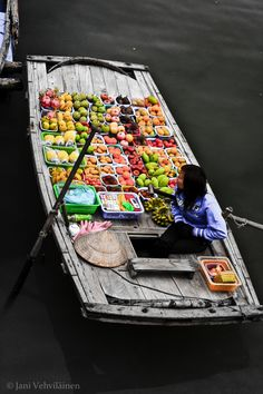 Floating Market, Ha Long Bay, Vietnam | by Jani Vehvilainen on 500px