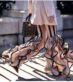 Advice On Buying Fashionable Stylish Clothes – Clothing Looks Couture Mode, Couture Fashion, Fashion Art, Runway Fashion, High Fashion, Fashion Show, Fashion Outfits, Womens Fashion, Fashion Ideas