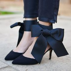 Spice up your heels with a bow detail! Learn how with this easy to follow DIY tutorial!