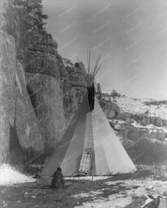 Native Indian Stretches Hide Outside Teepee 8x10 Reprint Of Photo Native Indian Stretches Hide Outside Teepee 8x10 Reprint Of Photo Here is a neat collectible featuring an Native Indian woman stretchi