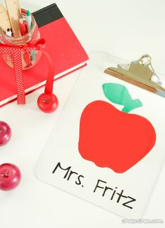 Here is a quick and easy way to say thank you to the educators of America! DIY Teacher Crafts!