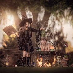 Photography Themes, Moon Photography, Fantasy Photography, Photoshop Photography, Creative Photography, Horror Photography, Inspiring Photography, People Photography, Family Photography