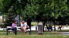 Estika Derniković Komunikacija među ljudima po meni je najbitnija, a na ovoj fotki se vidi dosta toga.