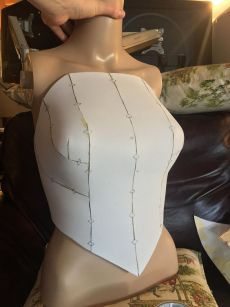 This pattern was created as a female base for the Anduin Wrynn Battle for Azeroth model from World of Warcraft. It has details and a lower tier panel as well iThis is for a foam cosplay corset, but I would love to turn this into a regular bodice pattern. Draping Techniques, Techniques Couture, Dress Sewing Patterns, Clothing Patterns, Corset Sewing Pattern, Loom Patterns, Fashion Sewing, Diy Fashion, Sewing Clothes