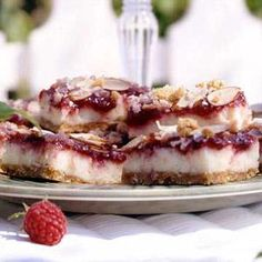 Raspberry Cheesecake Bars: Totally yum!