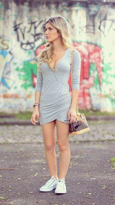 looks-com-vestido-cinza-tênis