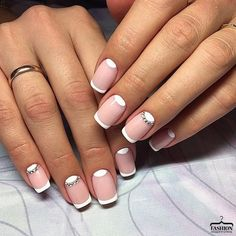 These super easy ideas can fit lazy girls and the beginners. Just make everything simple with some simple nail elements. It's easy for everyone to paint lines, polka dots and chevron for nail arts. Bling Nails, Diy Nails, Cute Nails, Pretty Nails, Fingernail Designs, Toe Nail Designs, Funky Nail Art, Moon Nails, Nails Only