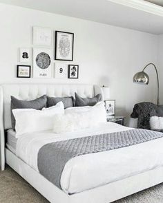 32 Beautiful Bedroom Decor Ideas for Compact Departments; For smart small apartment decorating ideas on a budget, look to accessories. bedroom decor ideas for teens. Gallery Wall Bedroom, Room Ideas Bedroom, Small Room Bedroom, Home Decor Bedroom, Modern Bedroom, Teen Bedroom, Master Bedroom, Girl Bedrooms, Bedroom Wall