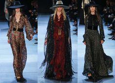 longues robes fluides et chapeaux à larges bords