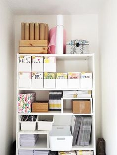 Annie Dornan Smith - Setting up the Studio - a home office tour for my online stationery and homeware business Office Set, Home Office Space, Home Office Decor, Office Ideas, Desk Space, Small Business Organization, Studio Organization, Workspace Inspiration, Room Inspiration