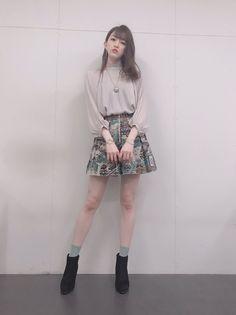 橘 里依 (@rii_tachibana) | Twitter Mini Skirts, Twitter, Fashion, Moda, Mini Skirt, Fasion, Trendy Fashion, La Mode