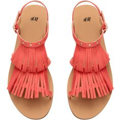 Sandals with Fringe $24.99 ($25) ❤ liked on Polyvore featuring shoes, sandals, calçado, strappy sandals, strappy shoes, fringe shoes, strap shoes and fringe sandals