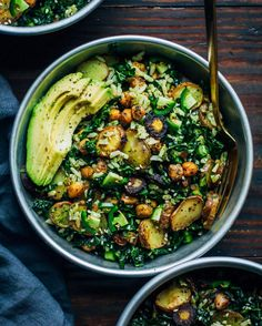 Kale detox salad from @wellandfull! Ingredients Carrot Top Pesto * Tops of 1 Bunch Carrots * ¼ Cup Extra Virgin Olive Oil * ¼ Tsp Salt * ¼ Tsp Pepper * Juice from ½ a Lemon Roasted Veg * 1 Lb Fingerling Potatoes, cut into rounds * 3-4 Large Purple Carrots, cut into rounds * 1 15 oz Can Chickpeas, drained and rinsed * A Generous Drizzle of Olive Oil * 1 Tsp Salt * 1 Tsp Pepper * 1 Tsp Dried Parsley * 1 Tsp Dried Basil * ½ Tsp Garlic Powder * Few Sprinkles of Dried Thyme The Rest of the Salad…