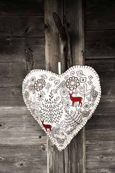 Country Christmas Heart