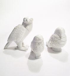 """ City Birds "" ceramics, art, sculpture, unique & hand built, clay works. Arte, terraglia bianca, scultura, falco, colomba, passero. By Aura Kajas, 2012"