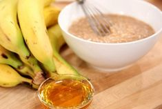 Banana, Oats, and Honey Face Mask - ½ Medium-Size Banana, 2 Tsp Raw Rolled Oats, 2 Tsp Pure Honey Banana Facial, Honey Facial, Honey Face Mask, Banana Mask, Mask For Dry Skin, Diy Beauty Treatments, Spa Treatments, Homemade Facials, Homemade Face Masks