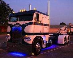 Freightliner COE Show Trucks, Big Rig Trucks, Old Trucks, Freightliner Trucks, Peterbilt, Custom Big Rigs, Custom Trucks, Columbia, Cab Over