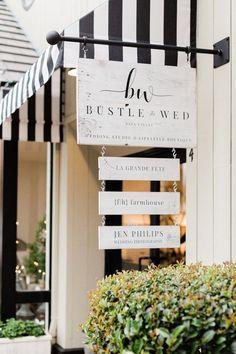 Schönheitssalon Design, Cafe Design, Front Design, Graphic Design, Custom Business Signs, Retail Signs, Salon Interior Design, Boutique Interior, Barn Wood Signs