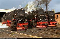 Net Photo: 99 Harzer Schmalspurbahnen Steam at Harzquerbahn, Germany by Daniel SIMON Diesel, Workshop Shed, Old Steam Train, Choo Choo Train, Train Engines, Spur, East Germany, Train Car, Steam Engine