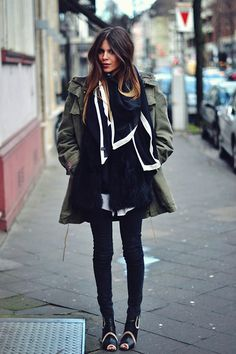 MAJA WYH faux fur vest under a military trench Girl Fashion, Fashion Looks, Fashion Outfits, Womens Fashion, Fashion 2014, Maja Why, Mode Inspiration, Fashion Inspiration, Street Chic