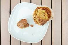 Rebarborovo-skořicové muffiny Kitchenette, Eggs, Breakfast, Food, Morning Coffee, Meal, Egg, Essen, Hoods