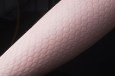 skindeep_arm_detail_03