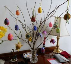 Plastic eggs are available to buy if you want to make a child-friendly Easter tree this year. Small children love crafts, but painting fragile egg shells may be too difficult for them. Choose plastic instead. Learn how to coat plastic cheaply and easily so that they can be painted with water colors.
