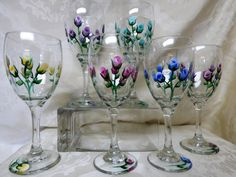 Items similar to Hand Painted Rosebud Wine glasses- (set of Flower Wineglasses, Painted Wineglasses on Etsy Painting Glass Jars, Bottle Painting, Glass Paint, Painted Wine Bottles, Hand Painted Wine Glasses, Painted Spoons, Wine Glass Crafts, Bottle Crafts, Bridesmaid Glasses