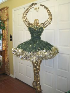 NEW Ballet Ballerina Christmas Tree Prelit Revolves 6 Ft. Tall Gold Trim Boxed #Hammacher