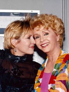 Singin' in the Rain Star Debbie Reynolds Dies One Day After Daughter: 'I Want to Be with Carrie'
