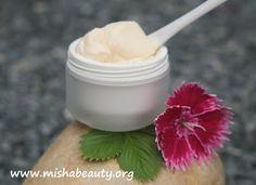 Misha Beauty - DIY kosmetika a jiné projekty : Jahodový krém pro pevnou pleť