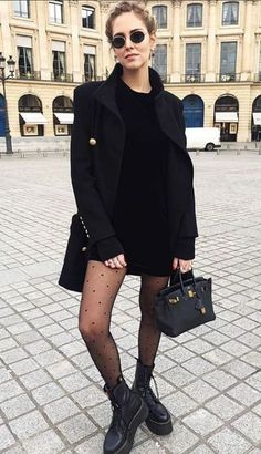 Kleid - Wheretoget - Street Style Outfits - What inspires me - fashion&beauty - Winter Mode Moda Fashion, Fur Fashion, Winter Fashion, Fashion Outfits, Fashion Top, Trendy Fashion, Fashion Skirts, Feminine Fashion, Affordable Fashion