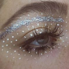DAY 2/100 : naturally since I said I was going to do #100daysofmakeup my eye is having some kinda reaction (to glitter? Glue? My eyecream? My attitude?) but hopefully I can work on the other one until I figure out wassup ¯_(ツ)_/¯ @nyxcosmetics white liquid liner, @tartecosmetics lights camera lashes mascara, @salonperfect 615 lashes #salonperfect #tarte #tartecosmetics #nyxcosmetics #makeup #motd #makeupart #100daysofmakeupchallenge