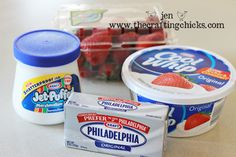 Yummy Summer Fruit Dip Marshmallow Cream, Cool Whip, Cream Cheese I wouldn't want any of you lovely readers to be deprived of this heavenly goodness! Here is the recipe for this Yummy Summer Fruit Dip! Marshmallow Creme, Marshmallow Dip For Fruit, Marshmallow Recipes, Fruit Drinks, Fruit Snacks, Fruit Recipes, Cheese Recipes, Vanilla Recipes, Cake Recipes