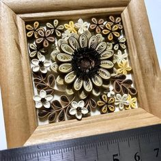 いつもとは違ったカラーで完成! 大きさ比較は定規で٩̋(ˊ•͈ ꇴ •͈ˋ)و minneでの販売もいよいよ始動です♪ #paperart #quillingflowers #ペーパークイリング #クイリング #クイリングフラワー #flowers #紙の花 #paperflowers