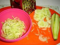 Jak připravit okurkový salát do sklenic   recept   jaktak.cz Cabbage, Vegetables, Food, Essen, Cabbages, Vegetable Recipes, Meals, Yemek, Brussels Sprouts