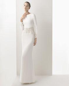 Silk crepe dress with beadwork embroidery, in ivory 61K19 Swarovski tiara, natural colour