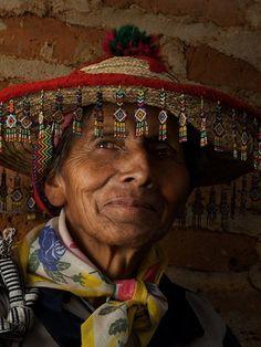 Antiguo México, Somos como Tú: #Huicholes  #Palabra de #Mexicano Diamond pattern and colors