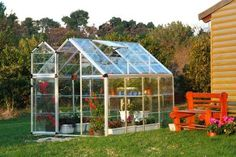 Using Polycarbonate Greenhouse Panels for Your Plants and Vegetables #Polycarbonate #Greenhouse #Panels #Plants #Vegetables
