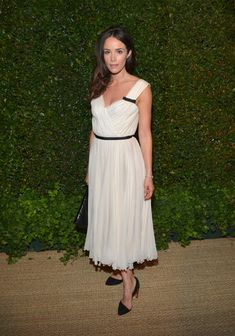 Abigail Spencer Photos Photos - Actress Abigail Spencer attends Vogue and MAC…
