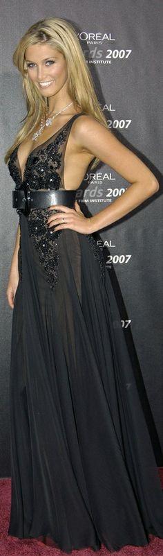 Delta Goodrem | High Fashion - Dresses Only .