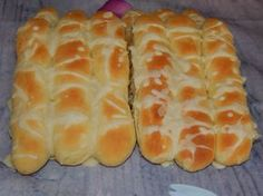 Perecrúd recept French Bakery, Snack Recipes, Snacks, Hungarian Recipes, Bread And Pastries, Hot Dog Buns, Baked Goods, Food And Drink, Baking
