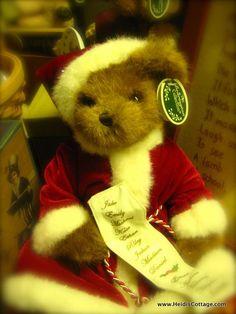 Bearington Santa Bear knows who's been naughty and nice. Heidi's Cottage, Dunellen NJ