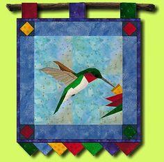 paper piecing two roses Barn Quilt Patterns, Paper Piecing Patterns, Pattern Paper, Small Quilts, Mini Quilts, Quilting Projects, Quilting Designs, Vogel Quilt, Bird Quilt Blocks