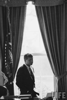 President Kennedy in the oval office <3