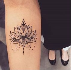 Women's tattoo: ideas for finding the perfect tattoo tatoo feminina - tattoo feminina delicada - Mini Tattoos, Trendy Tattoos, Unique Tattoos, Body Art Tattoos, New Tattoos, Small Tattoos, Cool Tattoos, Tatoos, Floral Tattoos