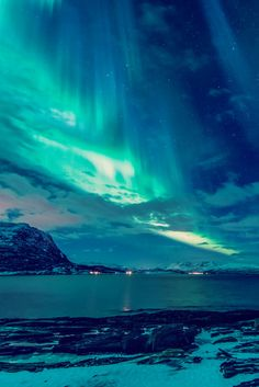 disminucion: Space Curtains, Tor-Ivar Næss Beautiful World, Beautiful Sky, Beautiful Scenery, Beautiful Landscapes, Beautiful Places, Amazing Nature, Travel Photography, Nature Photography, Aurora Norway