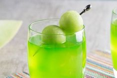 Master this tasty Melon Ball cocktail recipe on The Cocktail Project where Midori Melon Liqueur is artfully combined with Pinnacle Original Vodka. View full recipe now! Rum Recipes, Drinks Alcohol Recipes, Cocktail Recipes, Brunch Drinks, Bar Drinks, Beverages, Malibu Mixed Drinks, Malibu Rum, Melon Ball Cocktail